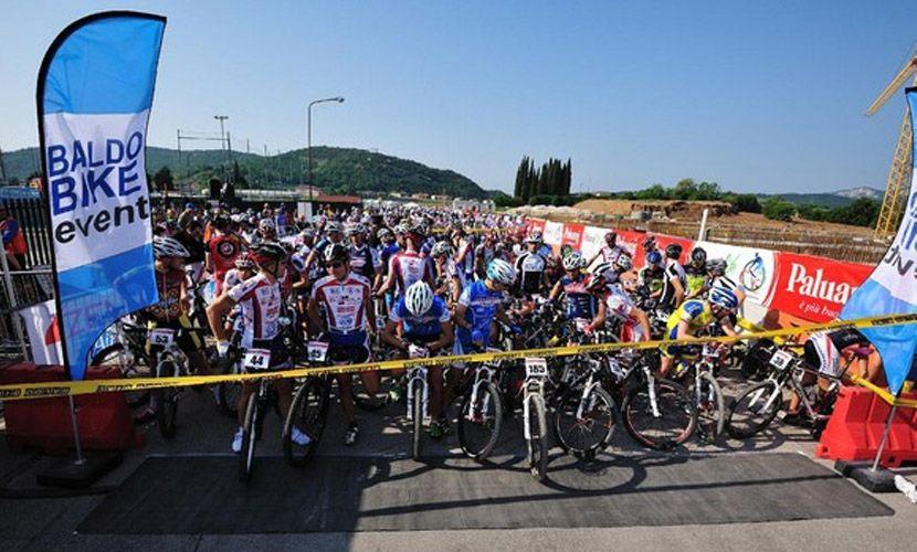 Noleggio allestimenti per gara ciclistica Verona