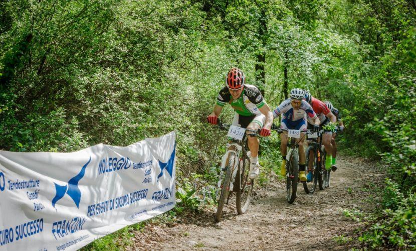 Noleggio strutture evento ciclistico Lago di Garda